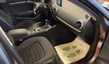 AUDI A3  SPB 1.6 TDI ultra Attraction completo
